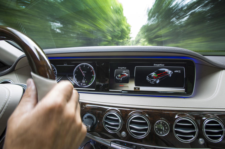 Mercedes Benz S 300 BlueTEC Hybrid instrument cluster