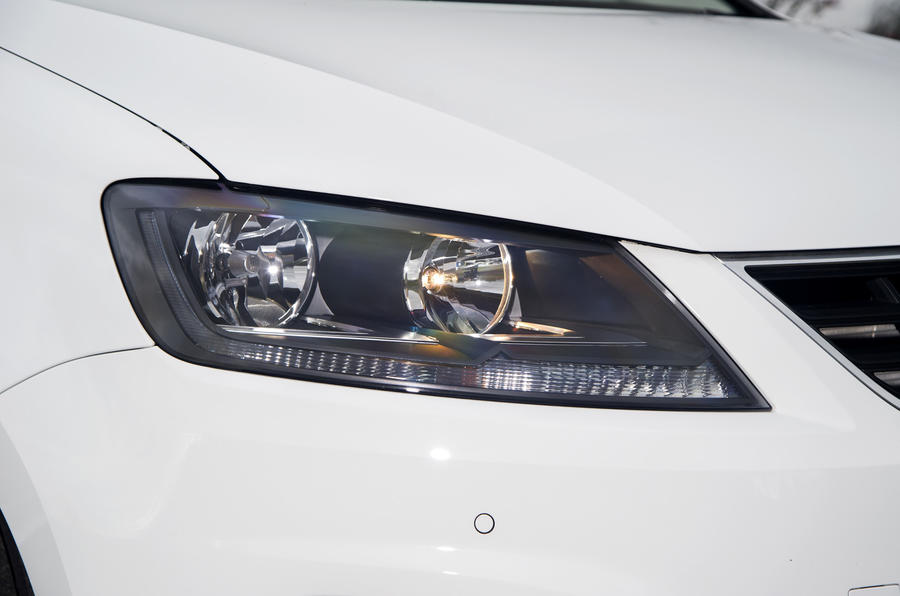 Seat Alhambra headlights