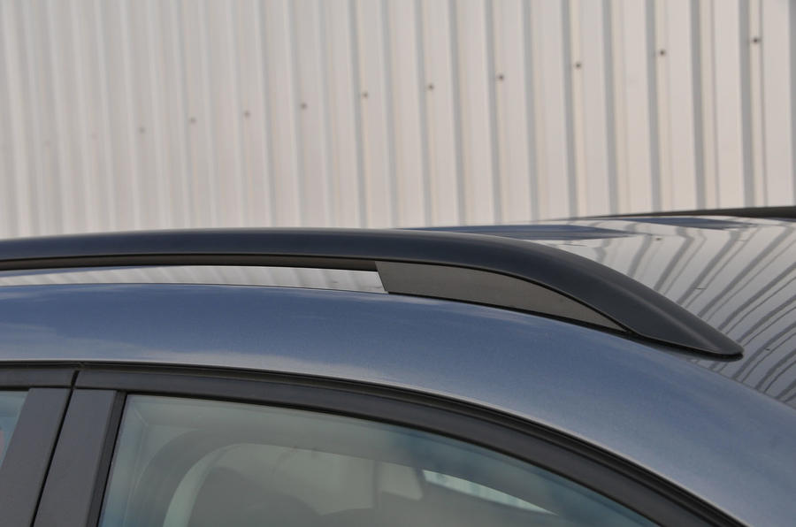 Seat Arona roof rails