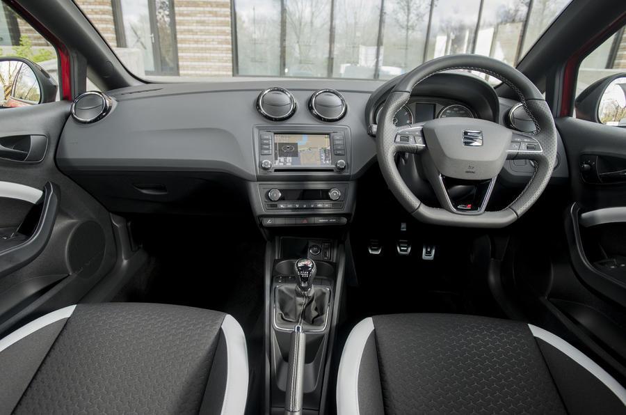 Seat Ibiza Cupra dashboard