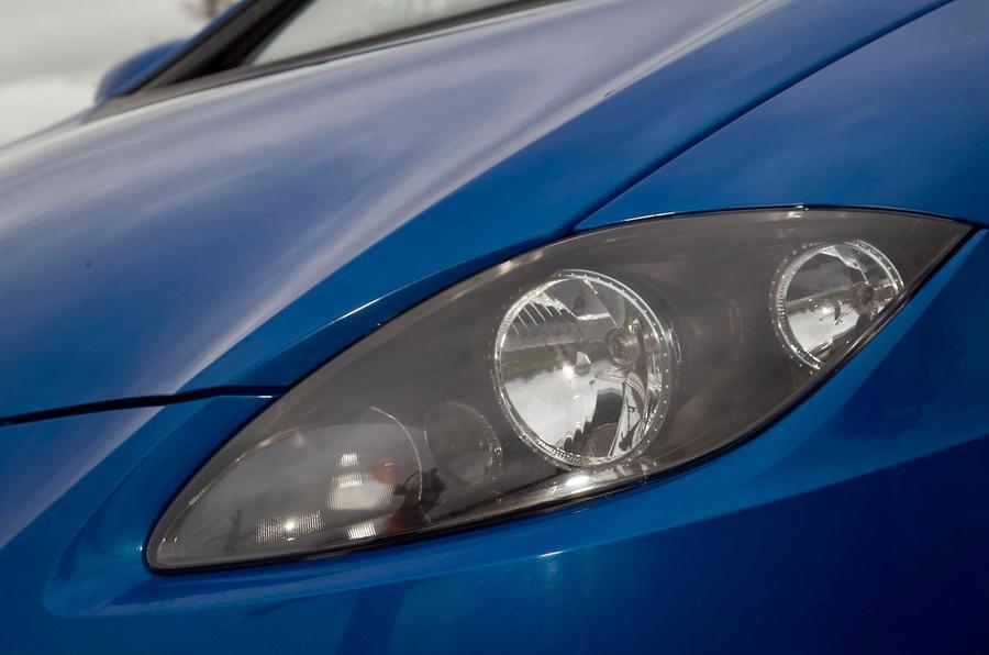 Seat Leon headlight