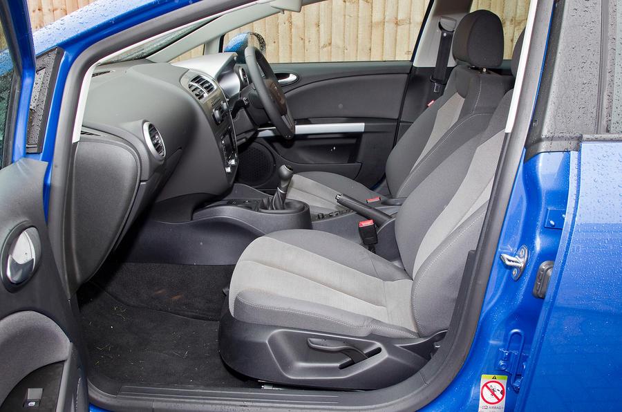 Seat leon 2005 2012 interior autocar - Seat leon interior ...