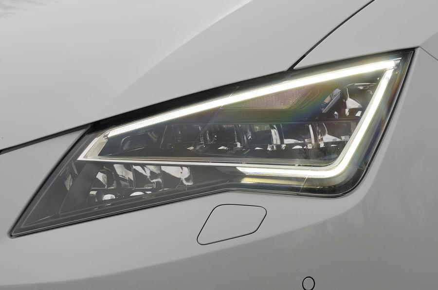 Seat Leon Ecomotive LED headlights