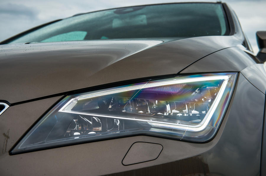 Seat Leon X-Perience LED headlights