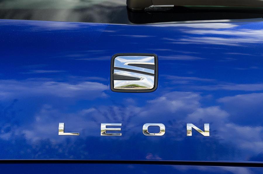Seat Leon 5dr hatch badging