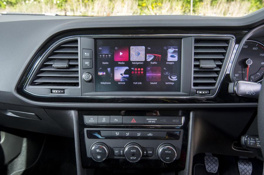 Seat Leon 5dr hatch infotainment system