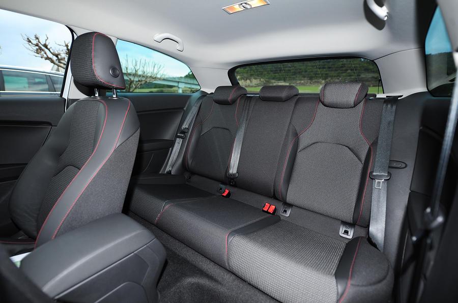 Seat Leon SC rear seats