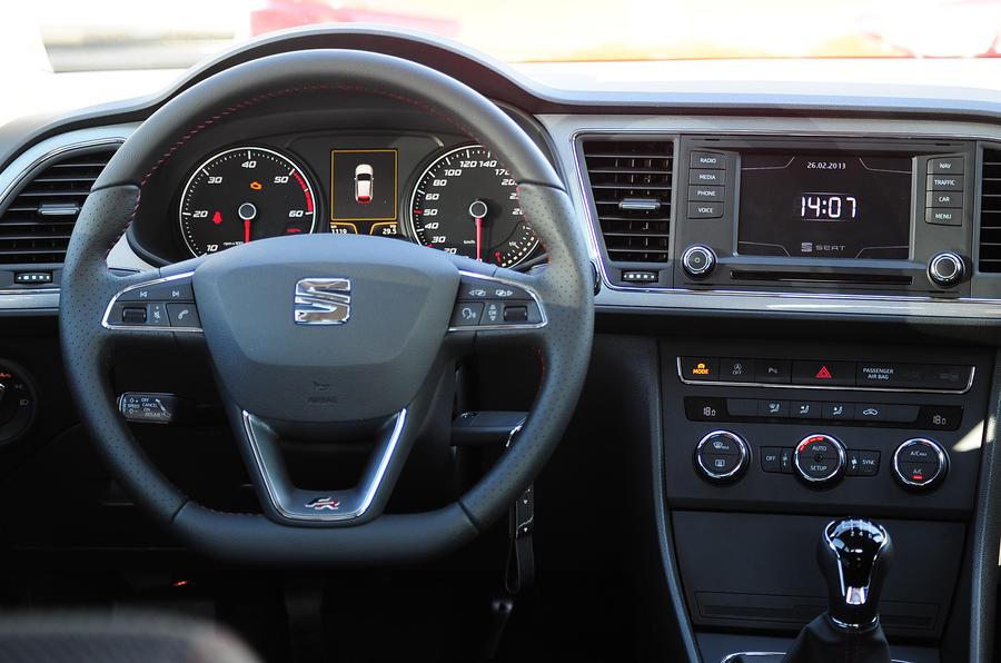 Seat Leon SC dashboard