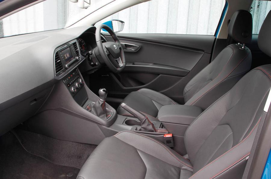 Seat Leon SC front seats