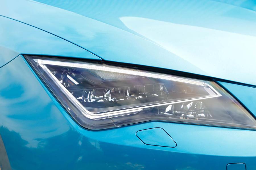 Seat Leon SC LED headlights