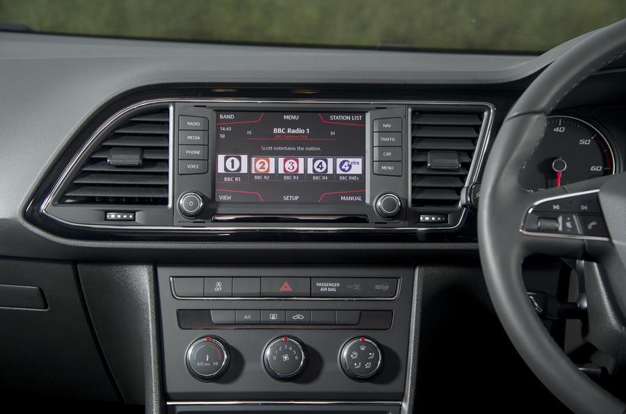 Seat Leon ST centre console