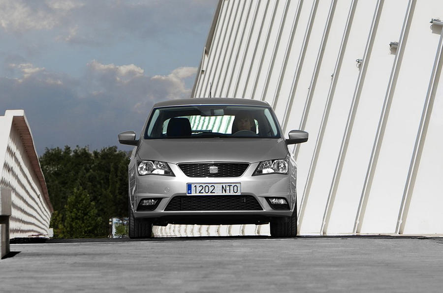 Seat Toledo front end