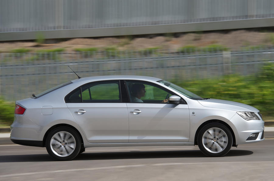 Seat Toledo side profile