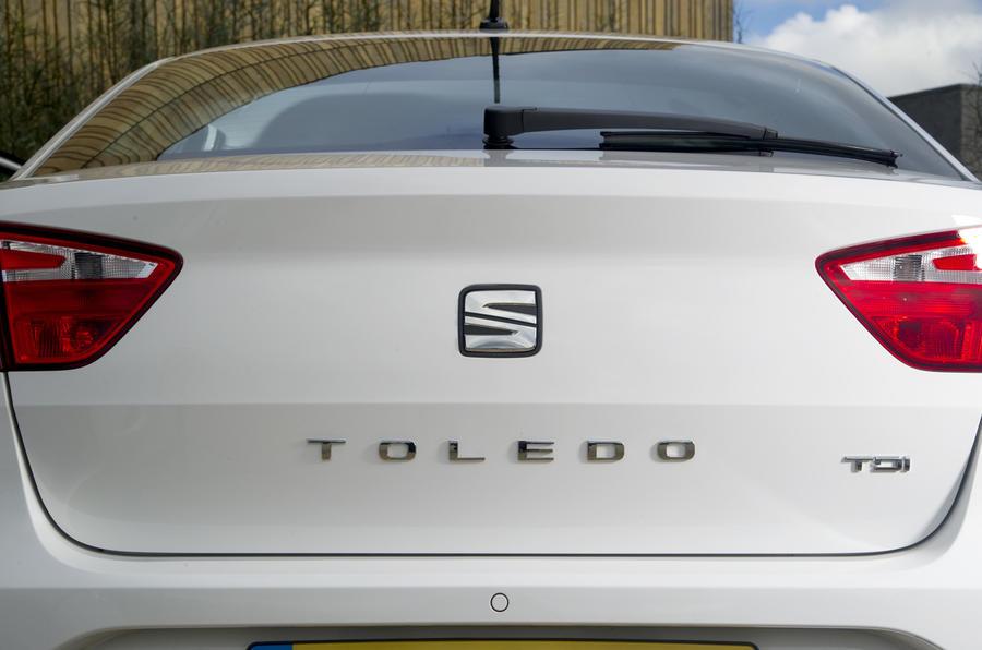 Seat Toledo badging