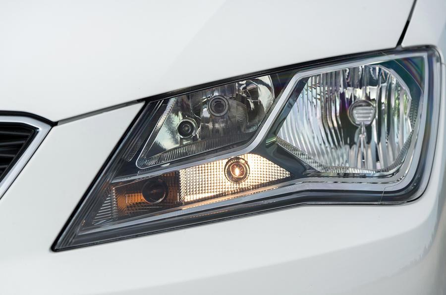 Seat Toledo headlights