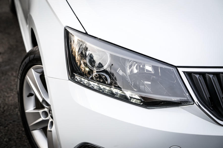 Skoda Fabia headlight