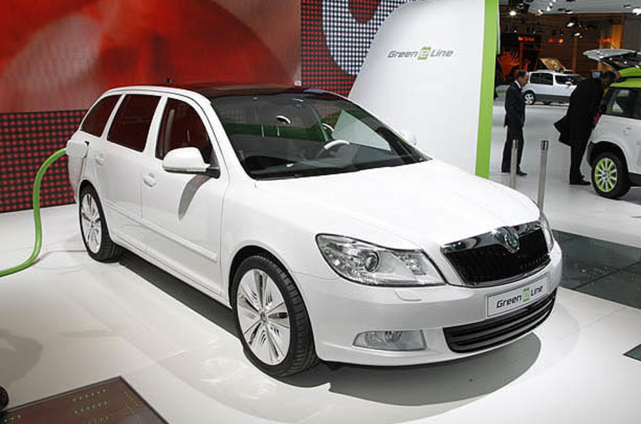 Paris motor show: electric Skoda Octavia