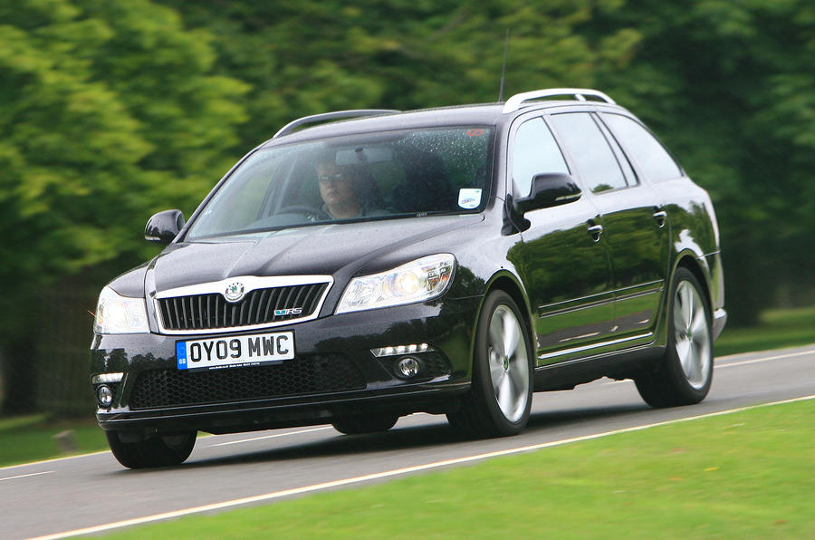 Skoda Octavia estate front quarter