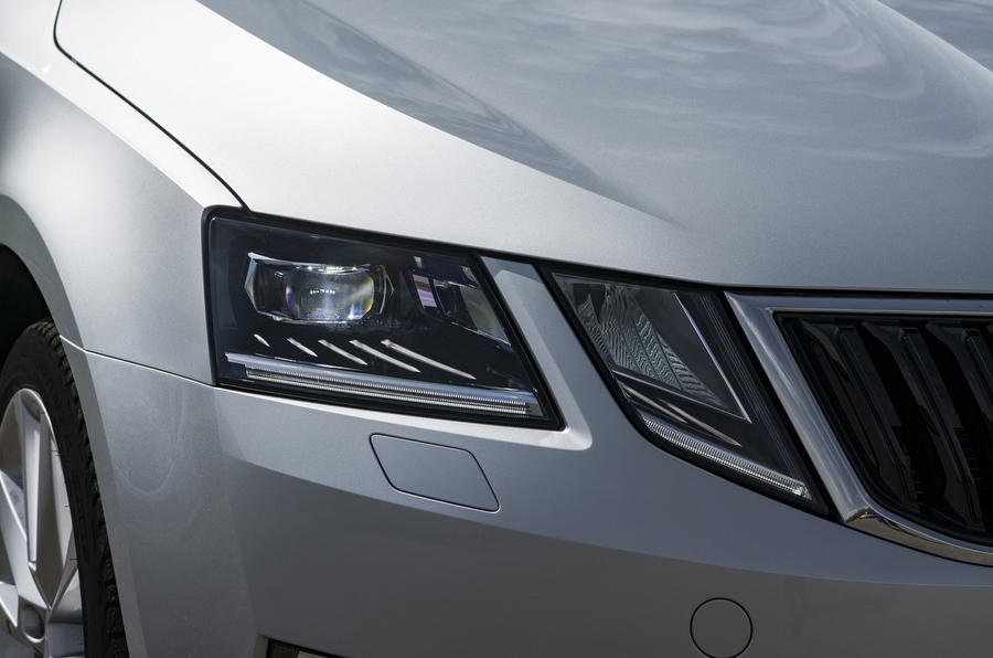 Skoda Octavia LED headlights