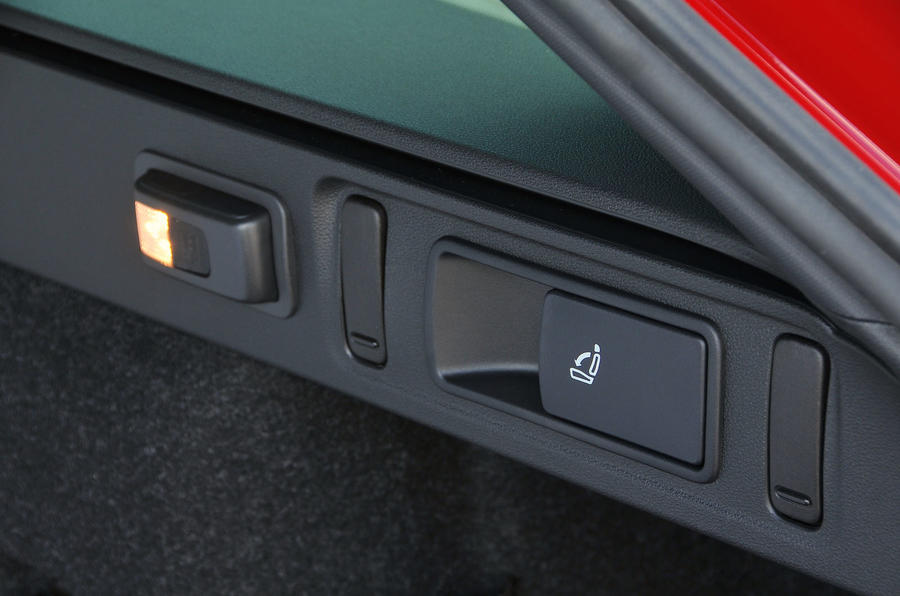 Skoda Octavia vRS 245 pop-out torch