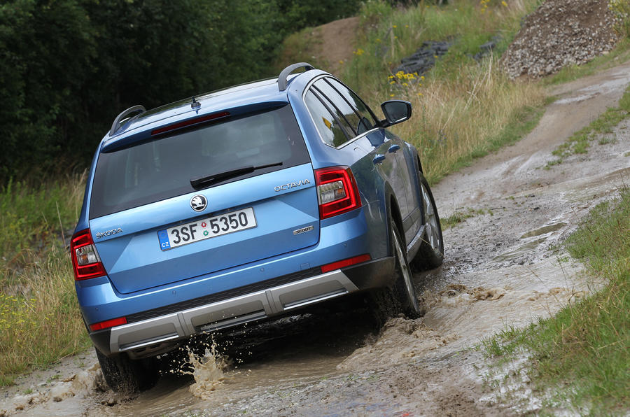 Skoda Octavia Scout rear off-roading