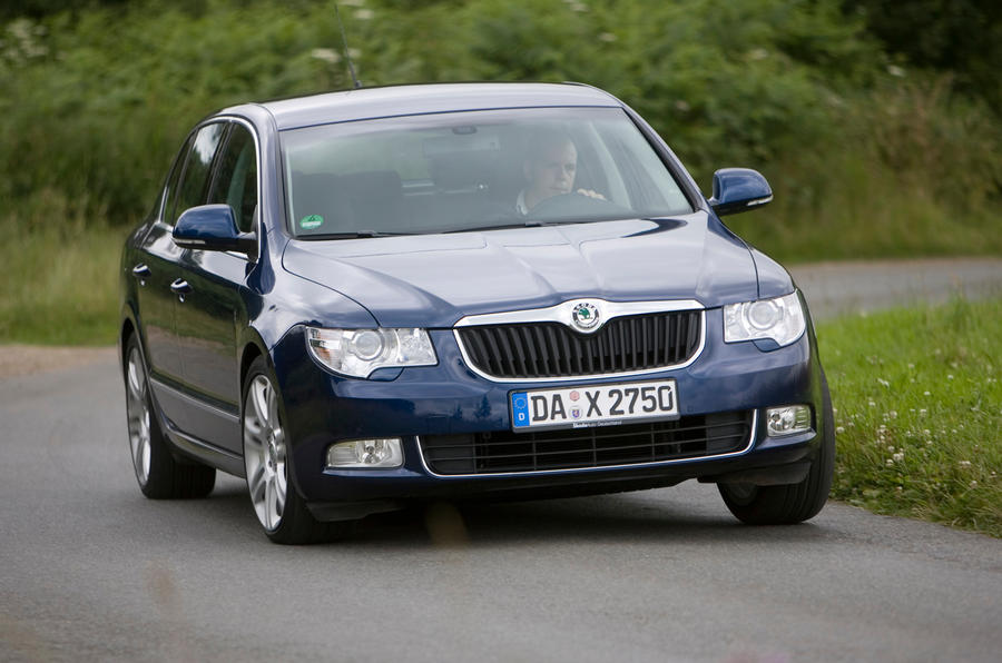 Skoda Superb cornering