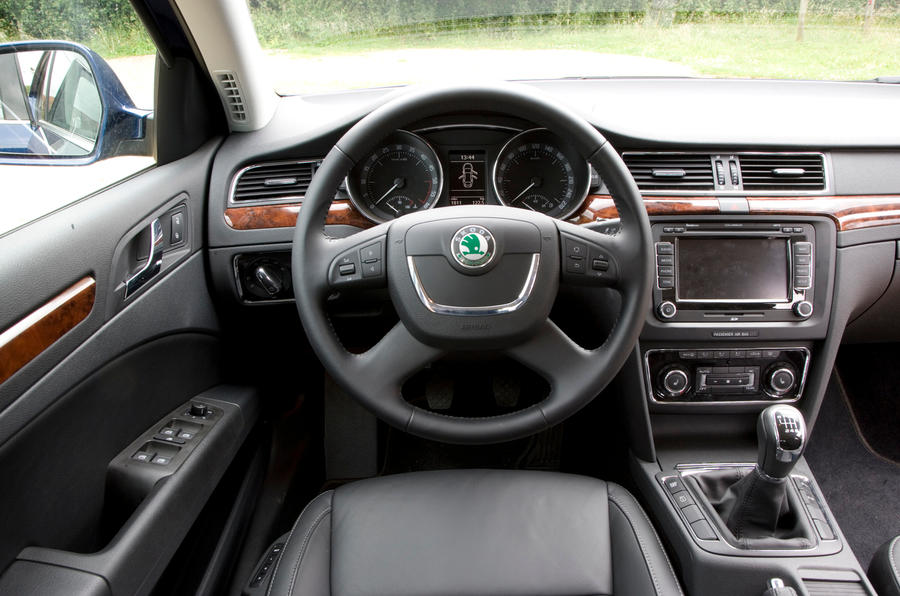 Skoda Superb 2008-2015 interior | Autocar