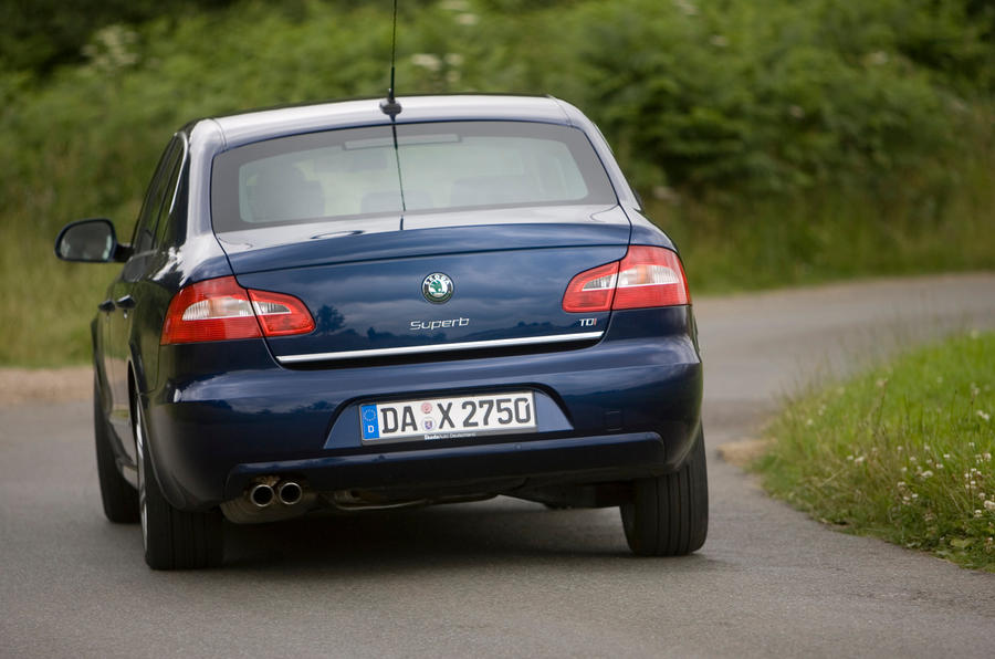 Skoda Superb rear cornering