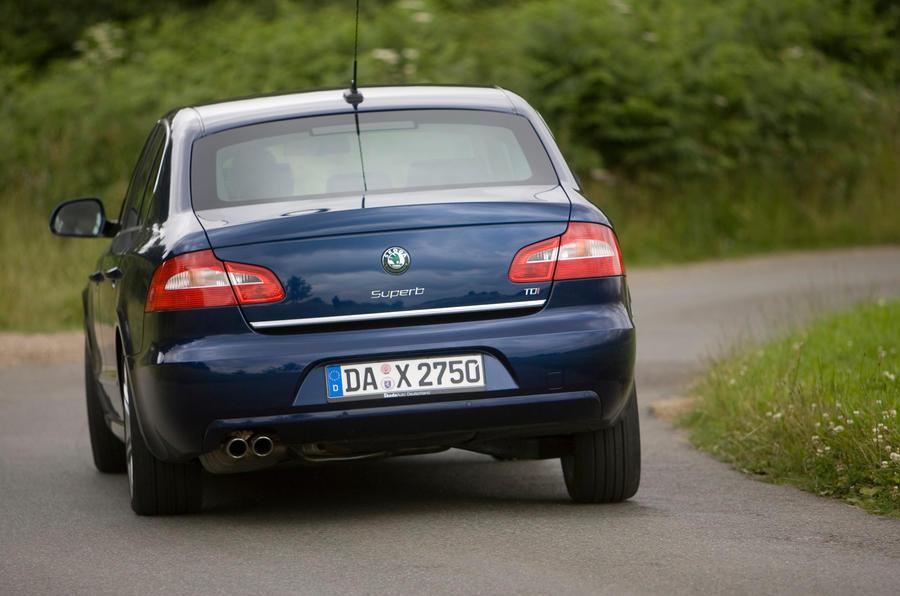 Skoda Superb rear cornering