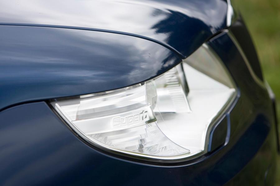 Skoda Superb headlight