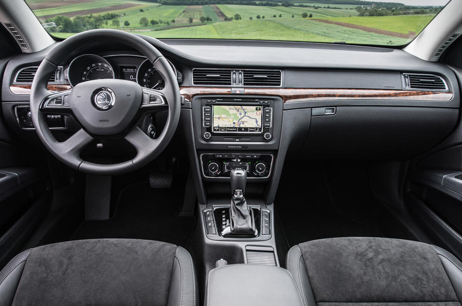 Skoda Superb 1.6 TDI CR Greenline II SE first drive review