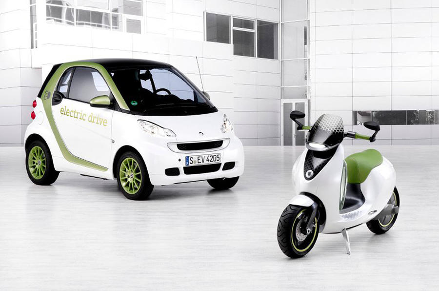 Paris motor show: Smart escooter
