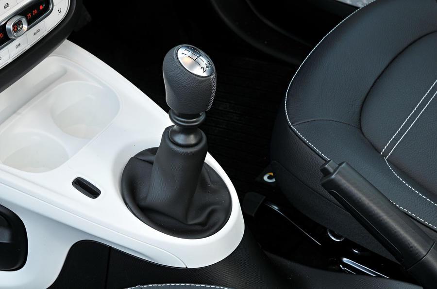smart fortwo review 2018 autocar rh autocar co uk A Smart Car Tire Change Smart Car Manual Transmission