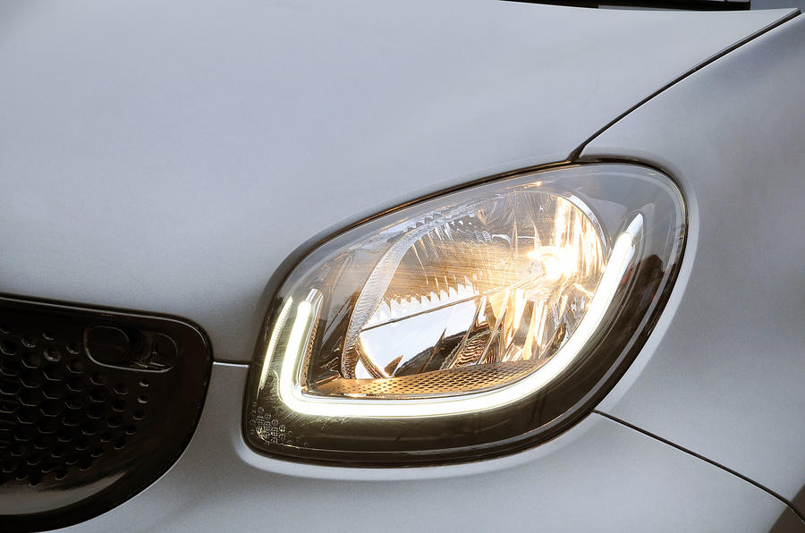 The premium plus pack gets fibre optic day running lights on the Smart Fortwo