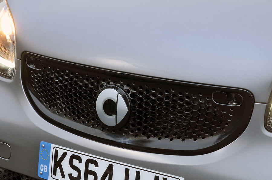 The grille is more noticeable on the new Smart Fortwo