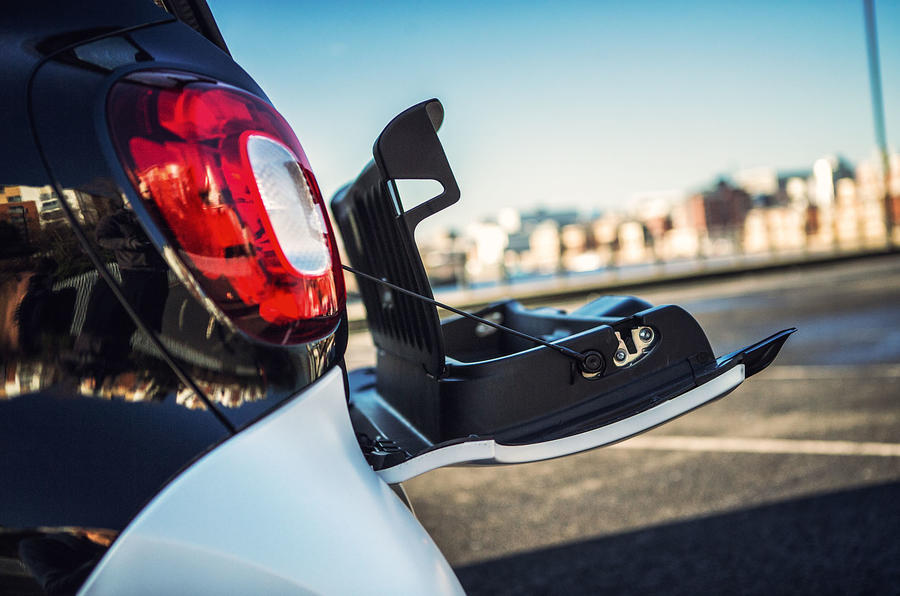 The useful split-fold tailgate on the Smart Fortwo