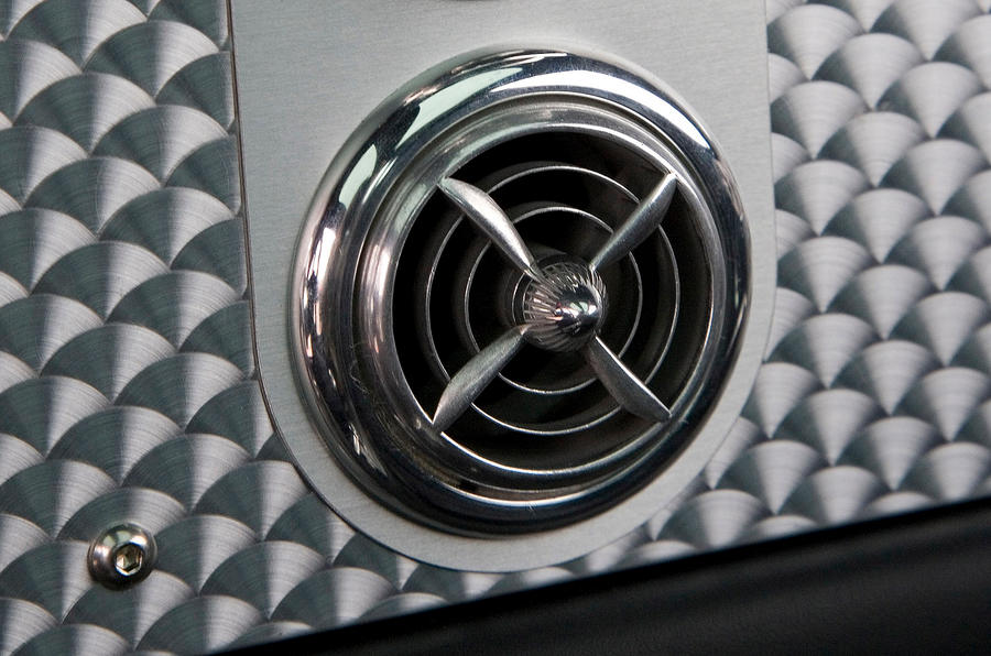 Spyker C8 air vents
