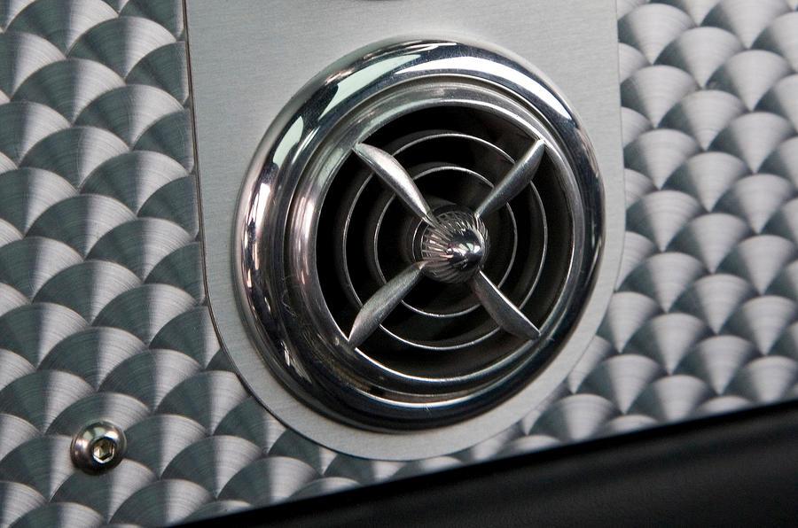 Spyker C8 air vents