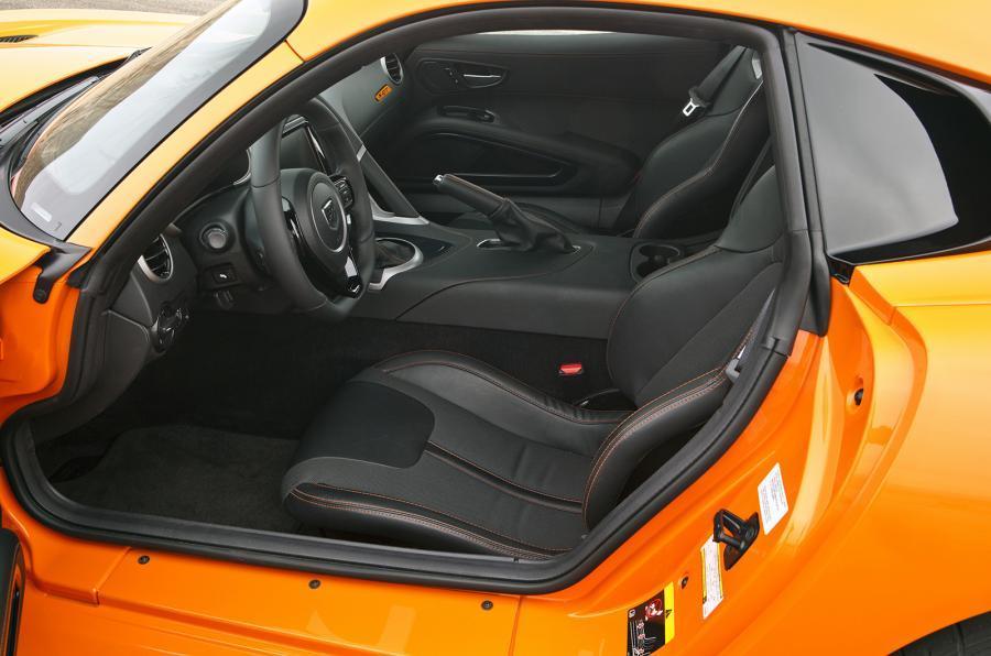 SRT Viper TA interior
