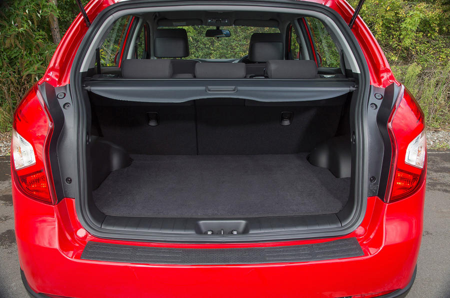 Ssangyong Korando boot space