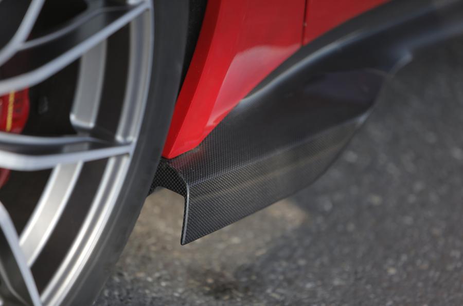 Carbonfibre Ferrari F12tdf side skirts