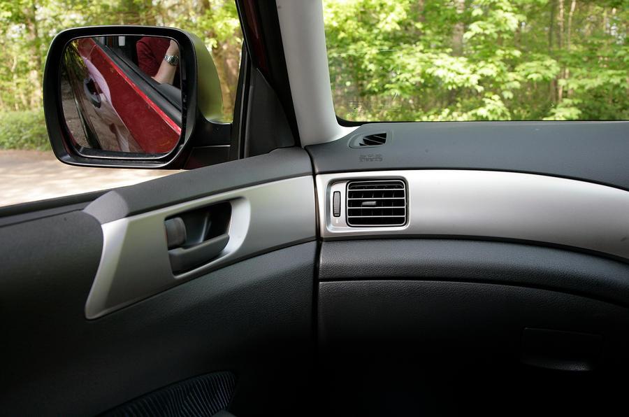 Subaru Forester plastics