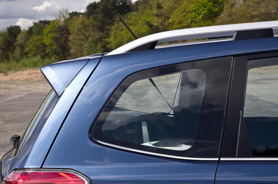 Subaru Forester roof spoiler