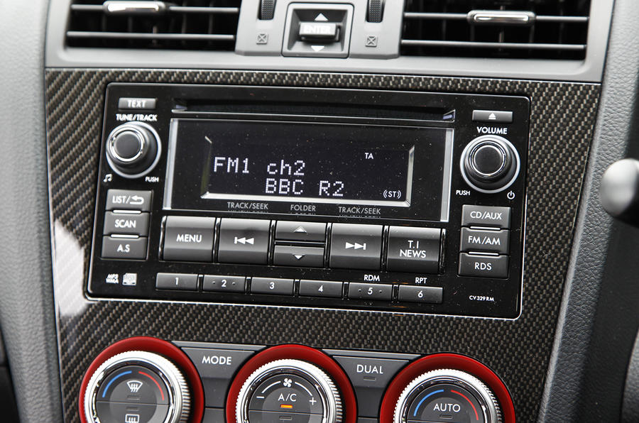Subaru Impreza WRX STI infotainment