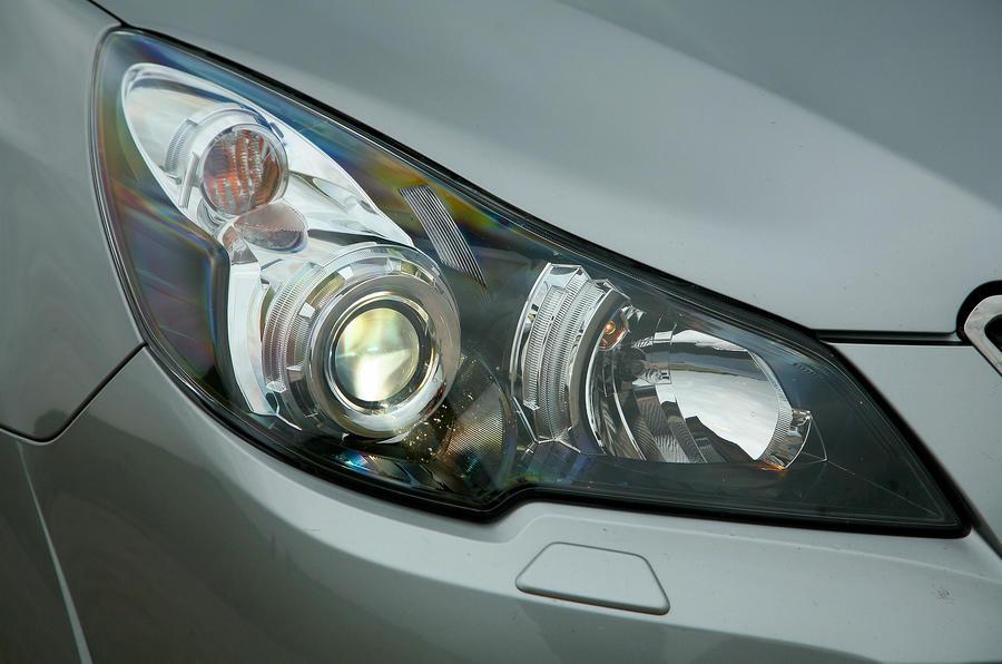 Subaru Legacy xenon headlights