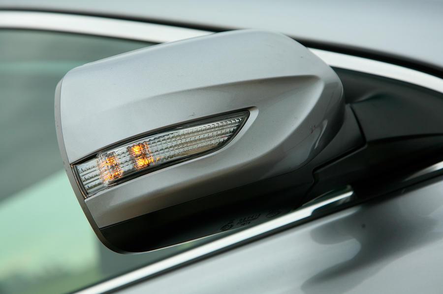 Subaru Legacy wing mirror