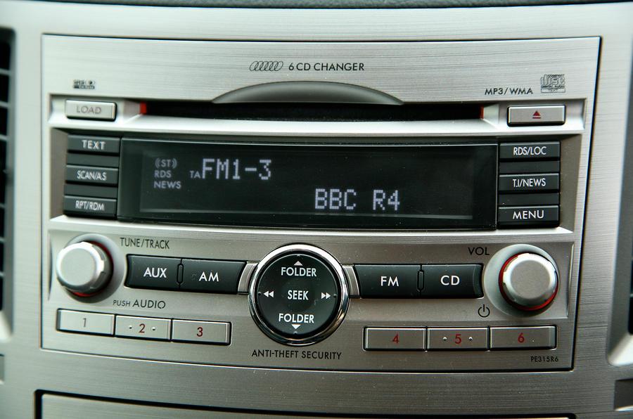 Subaru Legacy infotainment system