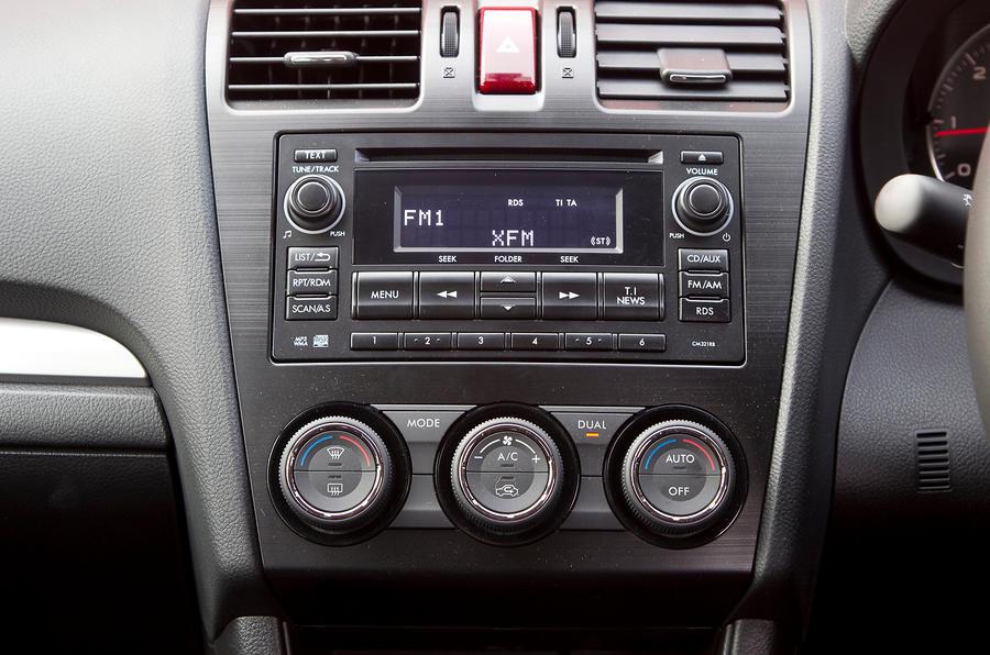 Subaru XV centre console
