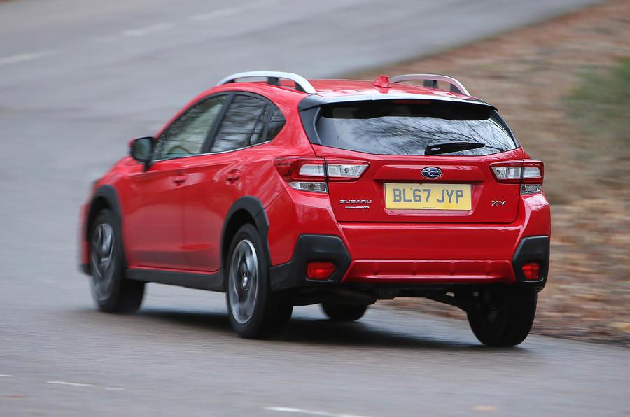 Subaru XV 2.0i Lineartronic SE Premium cornering