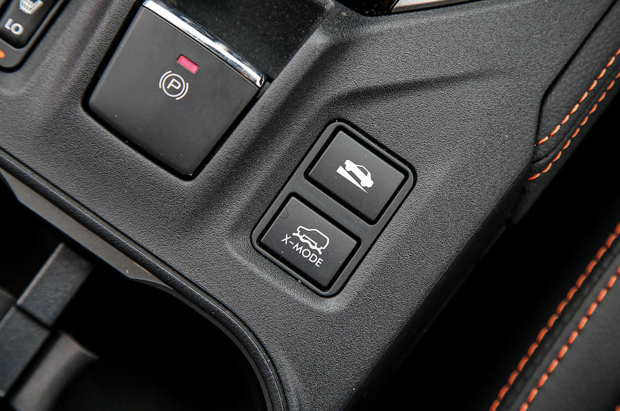 Subaru XV 2.0i Lineartronic SE Premium off-road controls